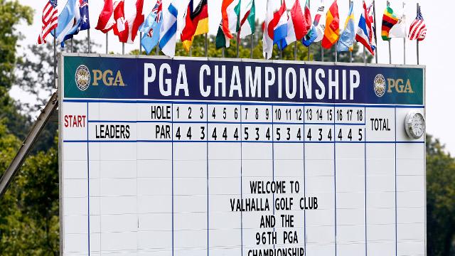 ( Con un Tiger Woods in grande difficoltà si ricomincia con la seconda giornata del PGA Championship / Sky Sport 3 ore 19.00).