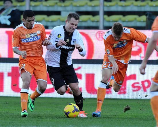 ( Alle 19 in diretta dal friuli il posticipo Udinese-Parma / Sky Supercalcio).