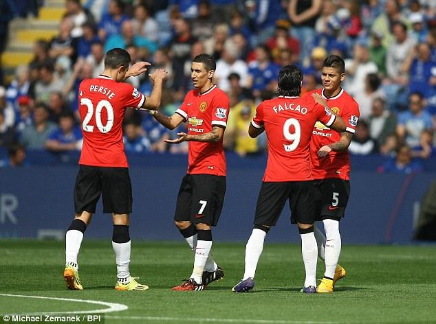 ( tre delle tante bocche da fuoco dei red devils con l'esterno argentino Rojo. Squadra di van gaal in crescita, attesa dalla trasferta con il West Bromwich / Fox Sports ore 21.00)-