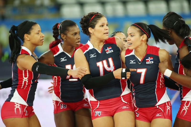 ( Al via la seconda fase dei Mondiali di volley femminiele con il match , inserito nel gruppo dell'italia,  tra Repubblica Dominicana e Belgio /Raisport 1 ore 16.30).