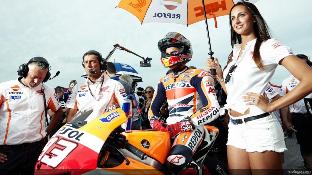 ( Con Marquez campione, è sfida a 3 tra Rossi, Lorenzo e Pedrosa per la piazza d'onore / Sky Motogp ore 7.00).
