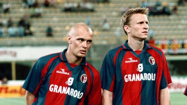 ( Negli anni Bolognesi per Ingesson 64 presenze e 6 reti, e un 9 e 11 posto in serie A. Nella stagione 1998/99, inoltre, semifinalista in Uefa, dopo aver eliminato squadre del calibro di Sporting Lisbona, Real Betis e Lione e ad un passo dalla finale eliminati dall'Olympique Marsiglia, dopo 2 pareggi).