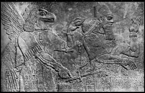 ( Un bassorilievo sumero avente per protagonista una figura dalle sembianze rettiliane).