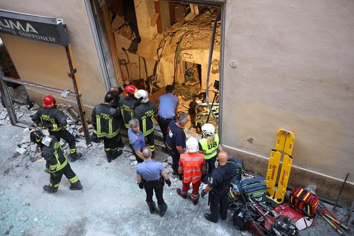 bologna-esplosione-al-ristorante-sette-feriti-poteva-essere-una-strage