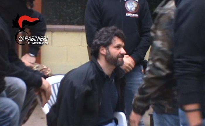 Arresto di E. Fazzalari (fermo-immagine da filmato dei Carabinieri)