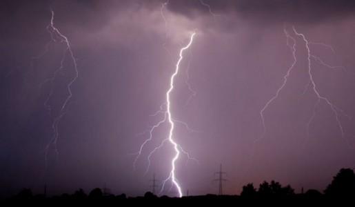 India, tempesta di fulmini causa novantotto vittime