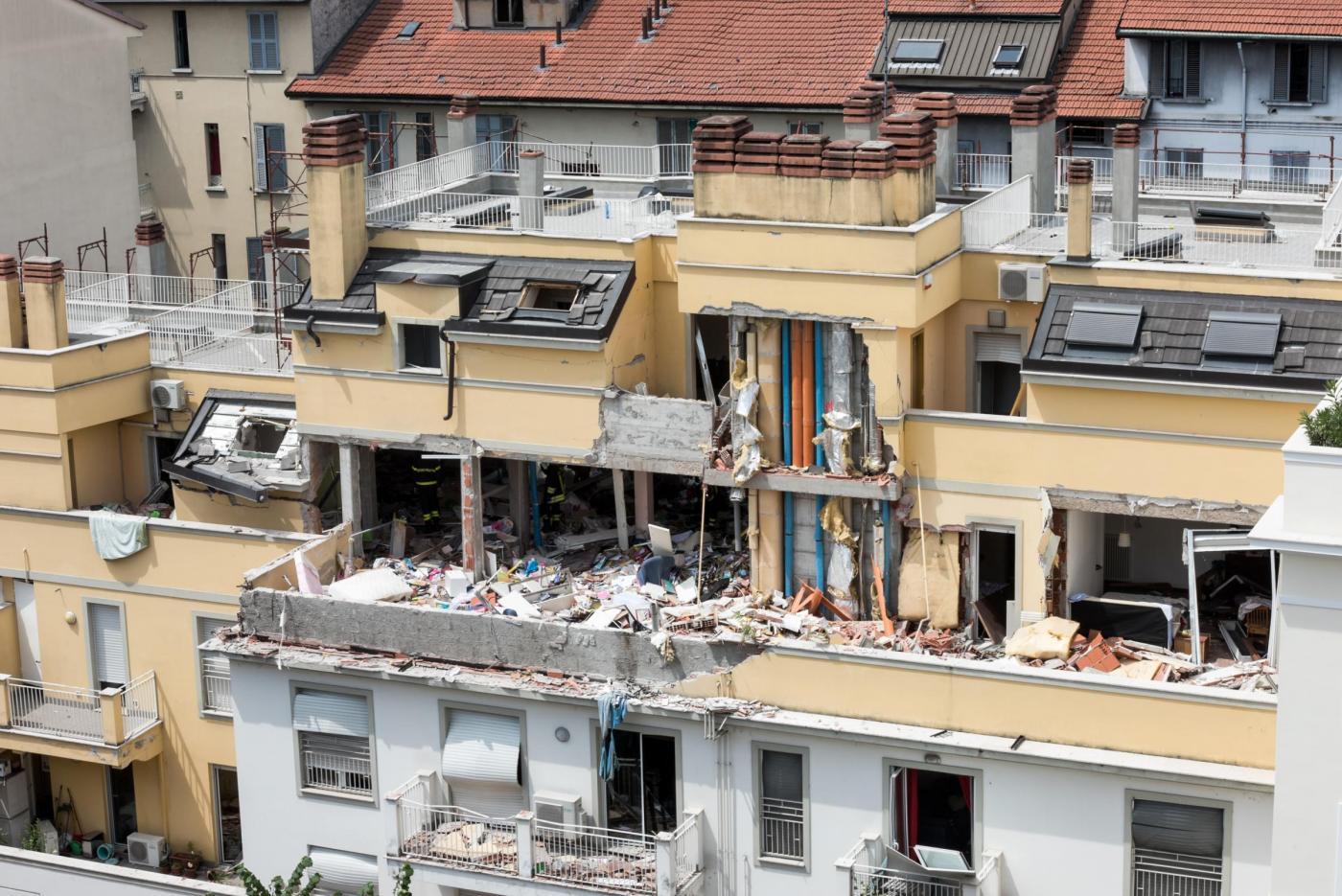 tragedia-a-milano-crolla-palazzina-3-morti-e-9-feriti