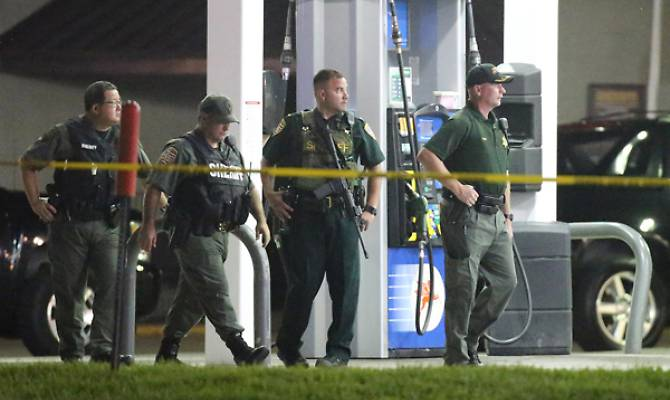 baton-rouge-louisiana-un-killer-spara-contro-la-polizia-uccidendo-tre-agenti
