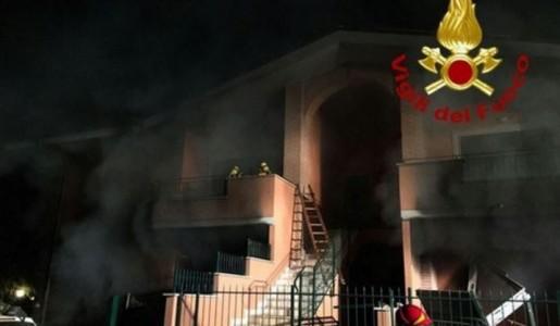 Un morto e quattro feriti a causa di una esplosione in una villetta a Frattocchie