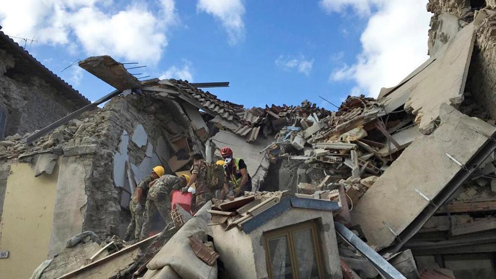 devastante-terremoto-nel-centro-italia-molti-morti-e-paesi-distrutti