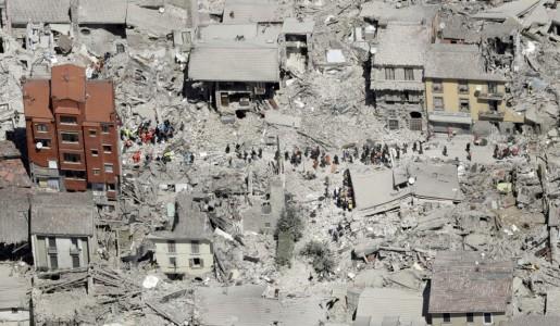 Terremoto: le vittime salgono a 247, scossa 4.5 all'alba