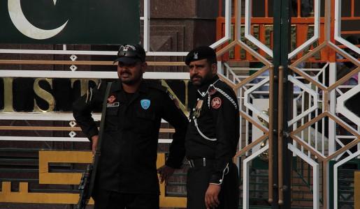 Nuovo attacco kamikaze in Pakistan: 59 vittime in una locale accademia di Polizia