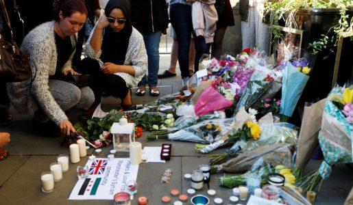 Manchester, l'attentato al concerto di Ariana Grande rivendicato dall'Isis