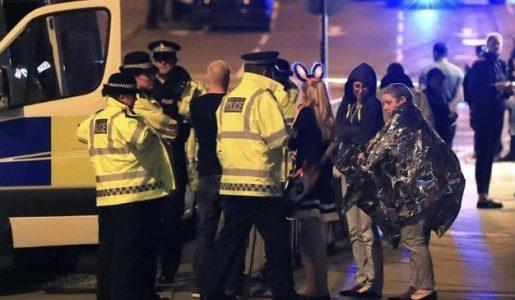 Manchester, strage al concerto di Ariana Grande: 22 morti e 60 feriti dopo un attacco kamikaze
