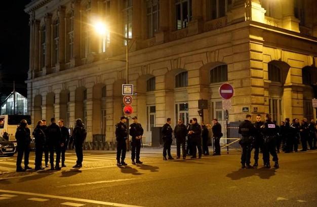 parigi-paura-alla-gare-du-nord-blitz-delle-forze-anti-terrorismo-contro-tre-sospetti