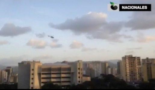 Caos in Venezuela: un elicottero della polizia attacca la sede della Corte Suprema di Caracas