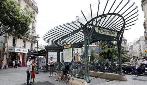 Parigi, militare aggredito alla stazione Châtelet