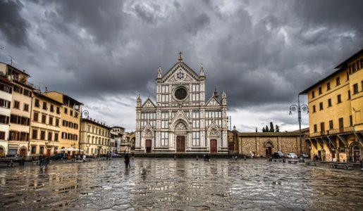 Firenze: turista muore sul colpo per la caduta di un capitello nella Basilica di Santa Croce