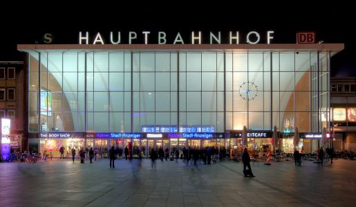 La Germania ripiomba nell'incubo terrorismo: sequestro lampo nella stazione di Colonia