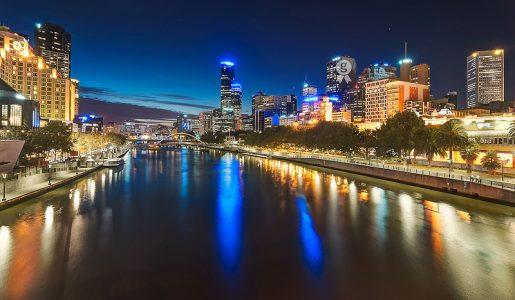 Melbourne di nuovo sotto attacco: tre passanti accoltellati a Bourke Street